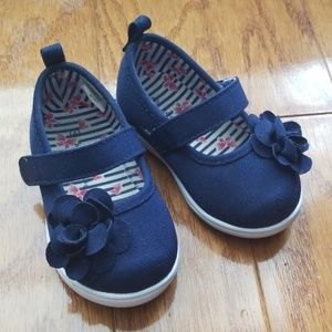 Size 4 Girls Navy Sneakers